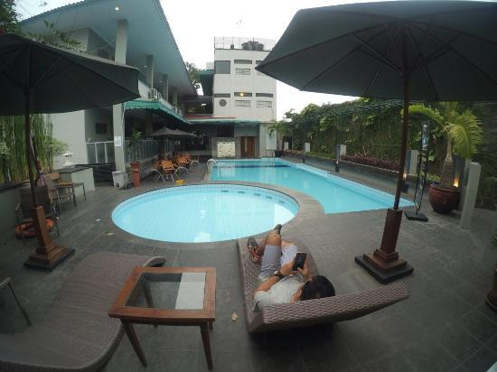 deluxe room picture of cakra kusuma hotel yogyakarta tripadvisor rh tripadvisor co uk