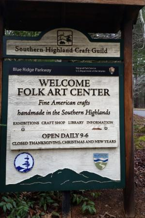 Southern Highland Craft Guild Folk Art Center: Hours of operation