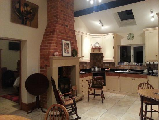 Meadowcroft Barn: Kitchen/Dining Room