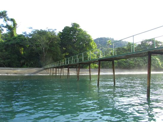 Playa Nicuesa Rainforest Lodge: Arriving at Nicuesa