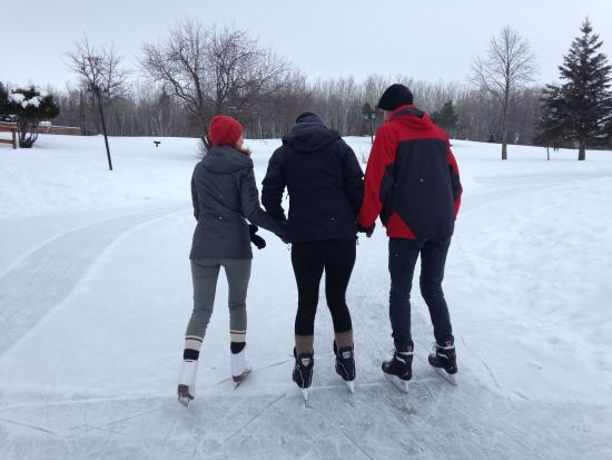 Hecla Island, Canada: Skating on the pond