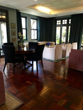 The Winston Hotel: Lobby area