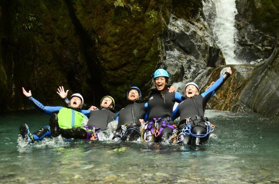Queenstown, Nowa Zelandia: canyoning group