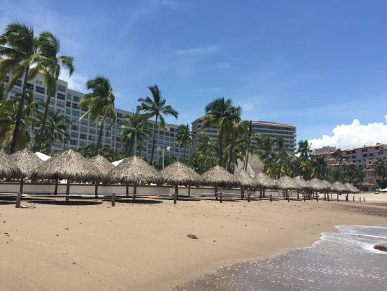 Sheraton Buganvilias Resort & Convention Center: looking at hotel from beach