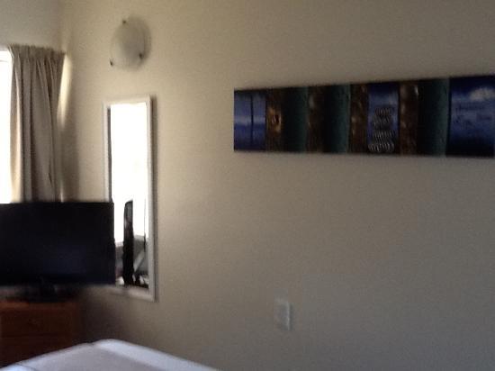 BEST WESTERN Braeside Resort: Main bedroom