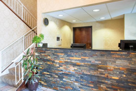 Quality Inn & Suites : Sc Lobby