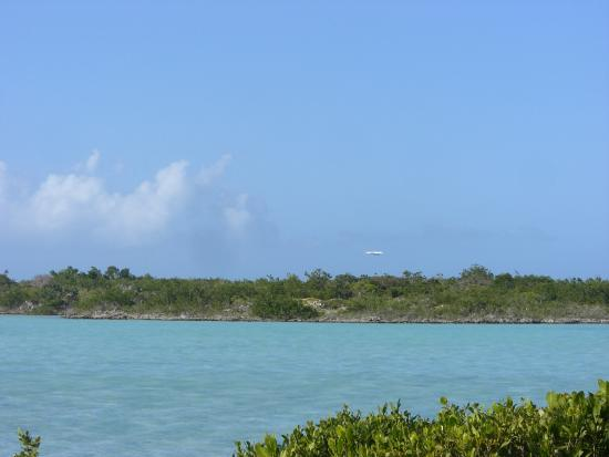 Five Cays Settlement, Providenciales: Tranquil Chalk Sound