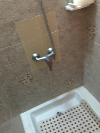 Amazing Maribel Apartments Mismatch shower tiles Review - Beautiful Bathroom Shower Tile