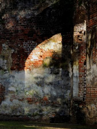 Old Sheldon Church Ruins: arch shadow on the wall