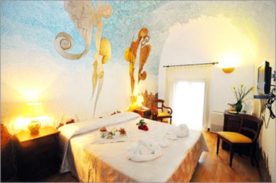 Hotel La Batia : la romantica Stanza degli  Angeli