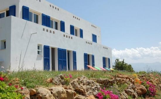 Villa Pefkakia