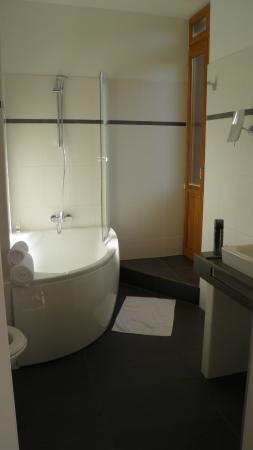 Tarascon-sur-Ariege, Frankrig: salle de bain des parents