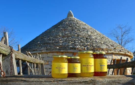 Vodnjan, Croacia: At Stancija San Antonio you can taste and buy delicious honey