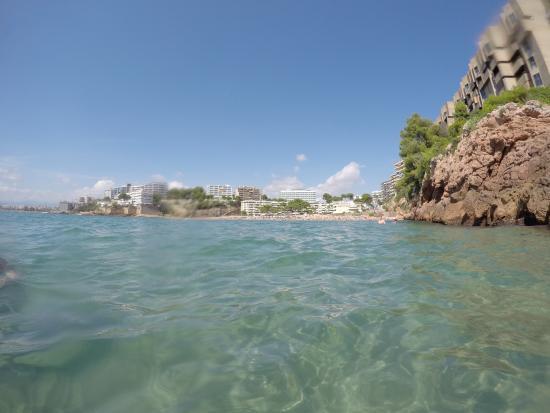 Playa Los Capellanes: Вид на пляж со стороны моря