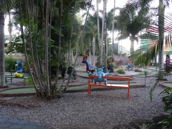 Cairns Coconut Holiday Resort: Minigolf umsonst