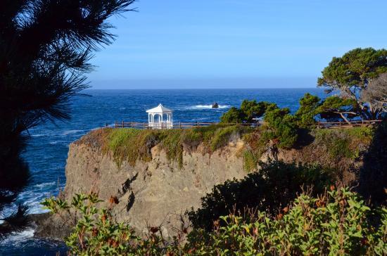 Superior Heritage House Resort: Gazebo On The Point