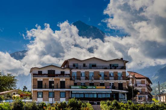 Hotel Pina