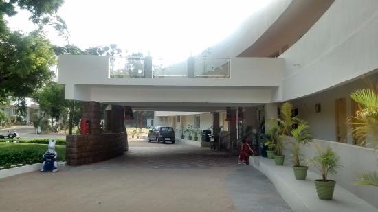 Ttdc Tamil Nadu Hotel Entrance