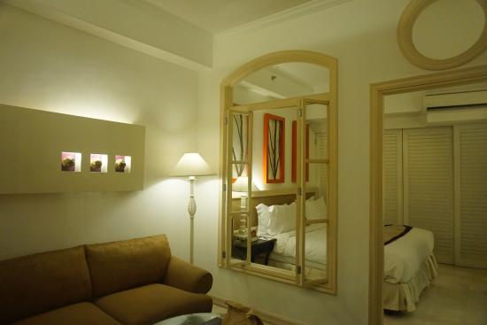 Vivere Hotel: Living Room and Bedroom