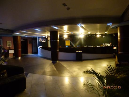 BEST WESTERN PLUS Peninsula Hotel: Reception