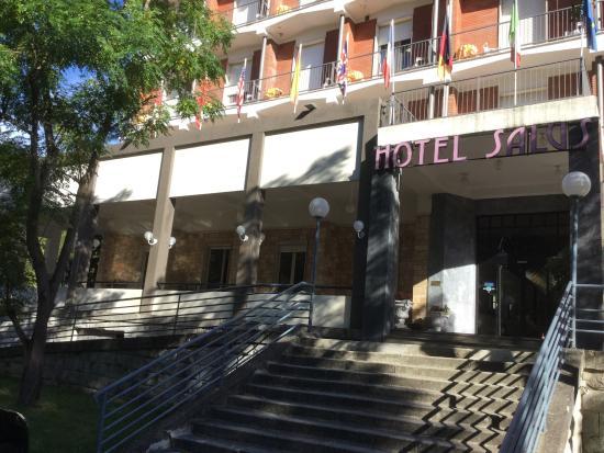 All\'esterno dell\'hotel Salus - Picture of Hotel Salus Ristorante ...