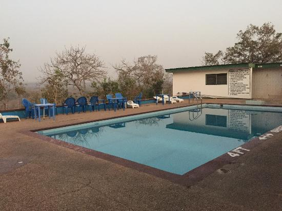 Mole National Park, Ghana: Mole Motel pool