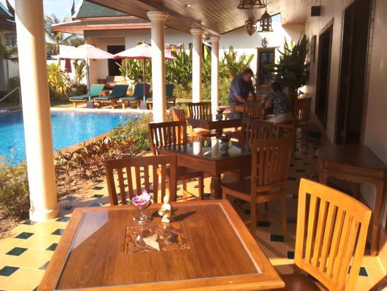 Baan Malinee Bed and Breakfast: Ontbijt plaats