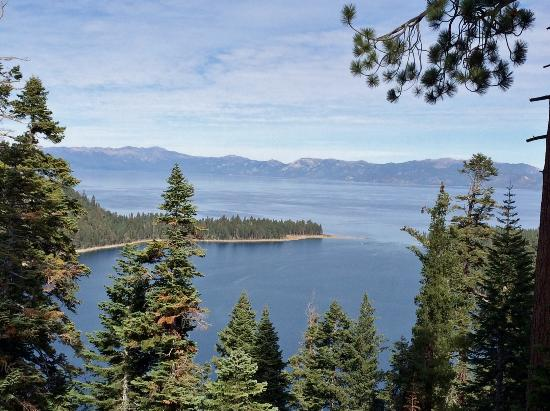 Harrah's Lake Tahoe: Iconic Lake Taho