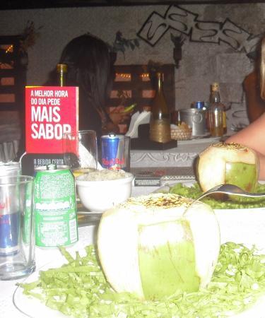Evoke Bar e Comedoria: Camarón al coco en Evoke