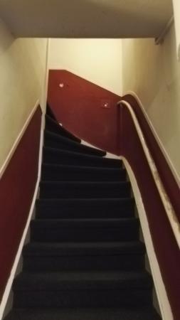 Marnix Hotel : Narrow stairs