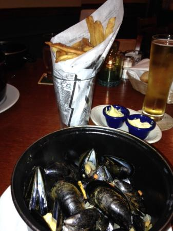 Bistro Jacques: Mussels & Frites!