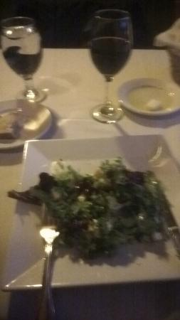 La Conner, WA: Apple Salad with house dressing