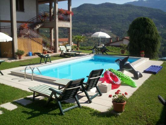 Camporgiano, إيطاليا: piscina