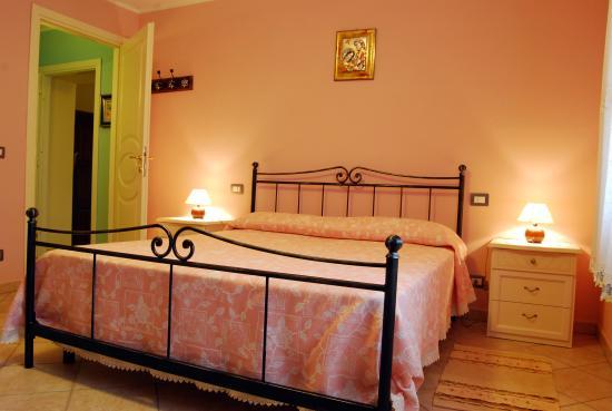 Camporgiano, إيطاليا: camera appartamento