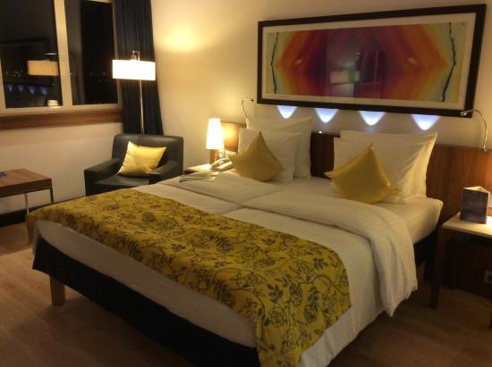 Standard Room With King Size Bed Bild Von Radisson Blu Hotel