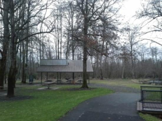 Vancouver, WA: Park with 1 shelter with picnic table