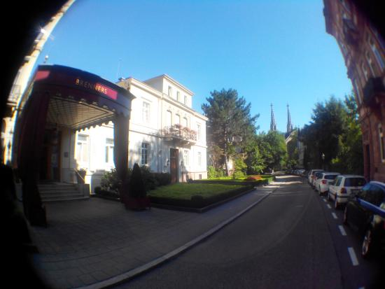 Brenners Park-Hotel & Spa: Stylish Entrance