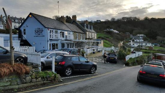 Tresaith, UK: The Ship Inn