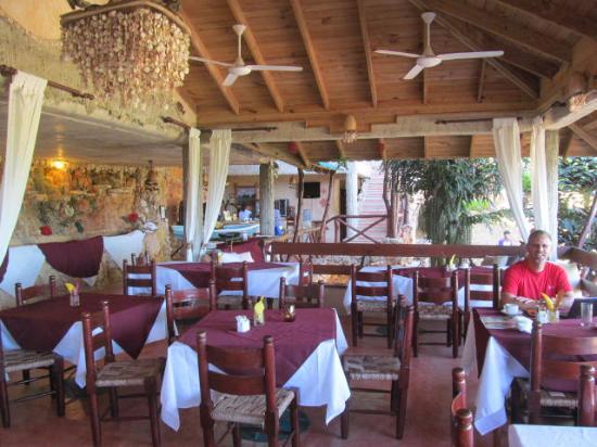 Paraiso Cano Hondo: Covered, open-air dining terrace -- Altos de Caño Hondo