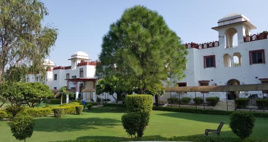 Aravali Resorts : Front View