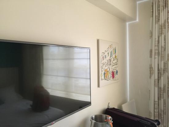 Beacon Hotel: Hotel Room with TV
