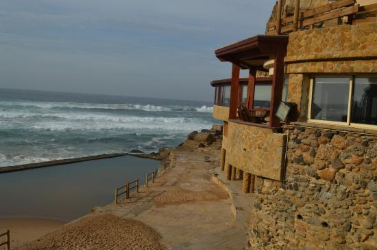 Azenhas do Mar Restaurante Piscinas: Restaurante com uma vista que vale ouro.