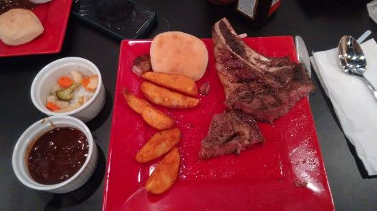 Fulton, MO: Lovely and perfectly-cooked ribeye!