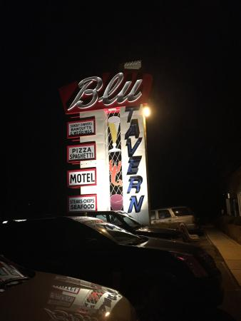 Blu Tavern Restaurant & Motel