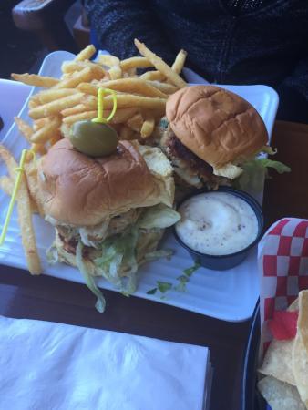 Lighthouse Point, FL: Bonefish Mac's Sports