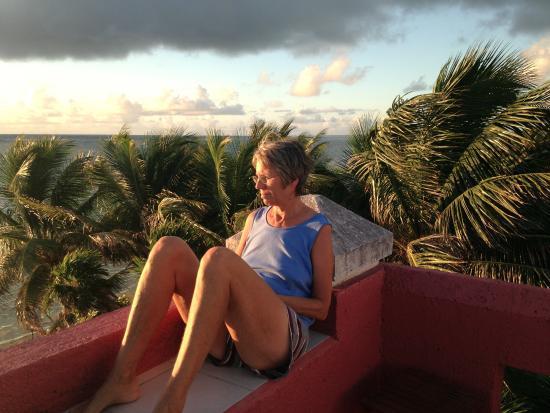 Sin Duda Villas: Reading on the rooftop