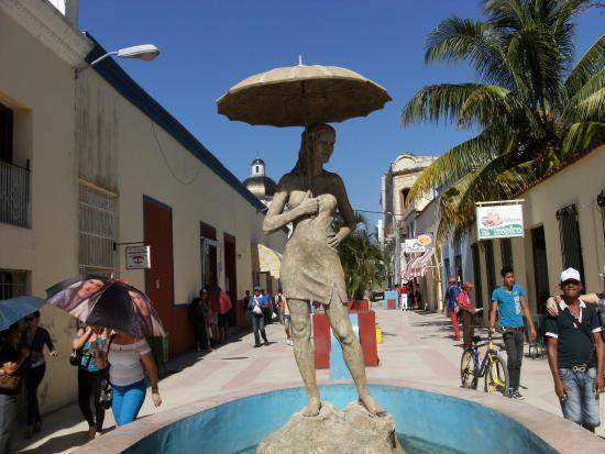 Bulevar de Holguin, Cuba - ホ...