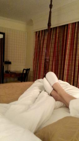 Williamstown, MA: 4 post bed with comfy slippers and robe