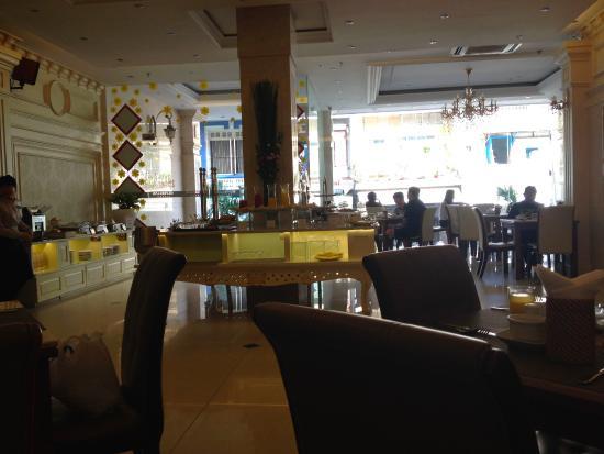 Silverland Hotel & Spa: Dining