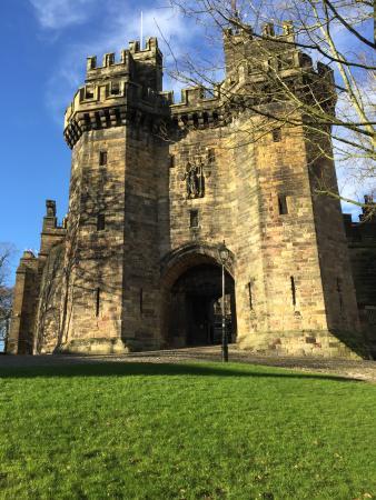 Lancaster Castle : Castle Gate